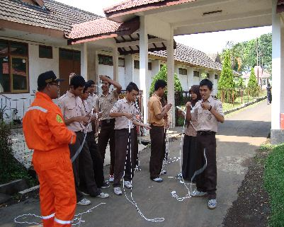 Latihan Rutin --Briefing:  <>