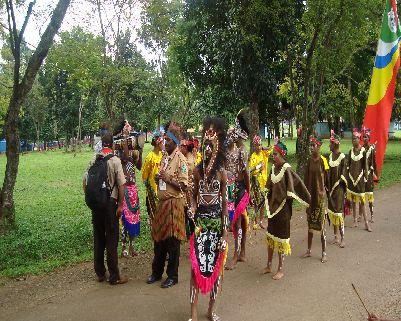 Bersama peserta dari Jayapura:  <>